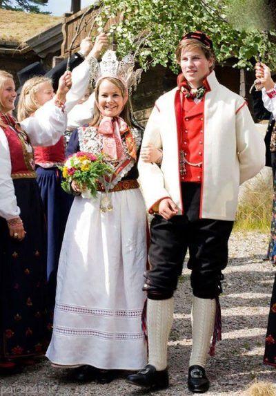 آشنایی با انواع لباس عروس در کشورهای مختلف
