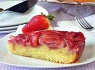 طرز تهیه نان شیرینی کشمشی با توت فرنگی