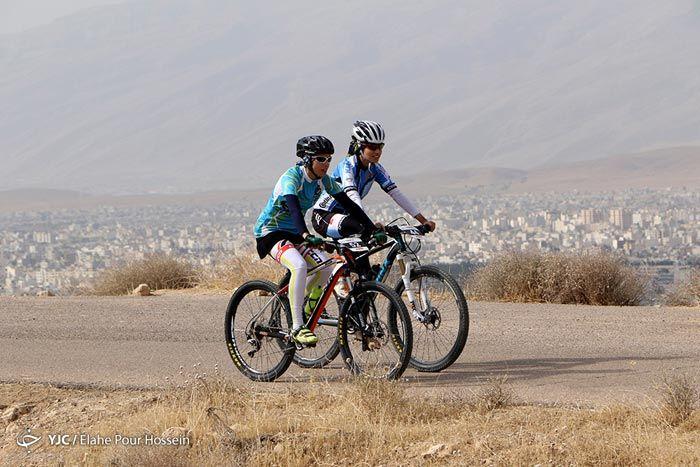 مسابقه دوچرخه سواری زنان در شیراز +عکس