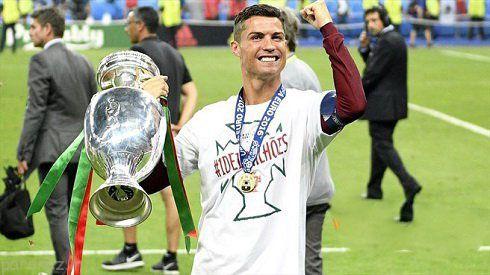 اشک های کریستیانو رونالدو در فینال جام اروپا