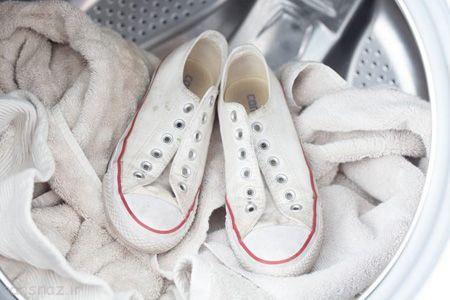 روش جالب برای شستن همه کفش های کتانی