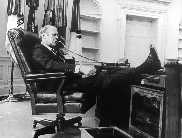 تصاویری از رئیس جمهورهای آمریکا در حال مکالمه تلفنی