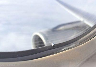 چرا پنجره هواپیما سوراخ های ریز دارد؟