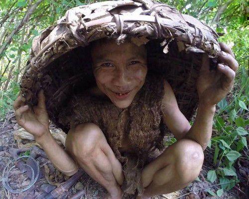 مردی 40 سال با پسر خود در جنگل زندگی کرد