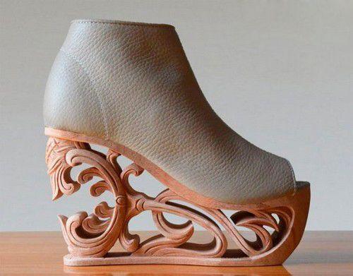 تصاویر کفش های پاشنه دار عجیب و جالب