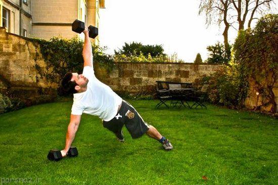 آموزش جمع کردن بازوها در بدن سازی