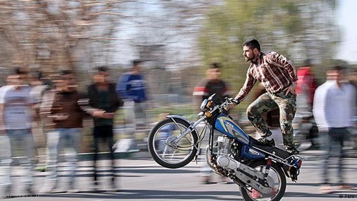 جوانان ایرانی و بازی موتور مرگ بار