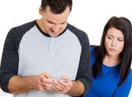 چک کردن موبایل همسر خوب یا بد؟