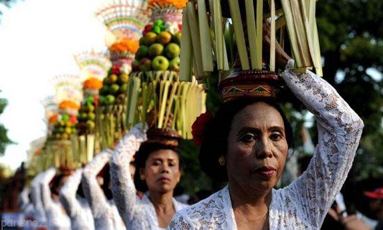 جشنواره رنگارنگ بالی در اندونزی