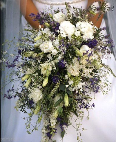 انواع مدل های زیبای دسته گل عروس در رنگ های مختلف