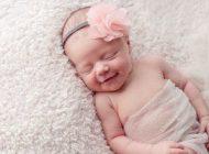 علت خنده کودکان در خواب چیست؟