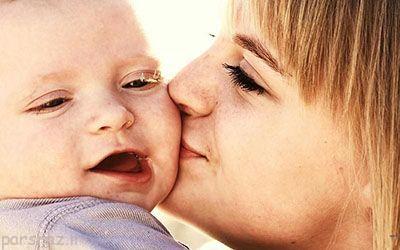 لب و دهان نوزاد خود را بوسه نزنید