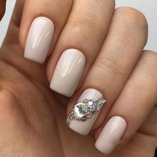 مدل آرایش ناخن عروس همراه با نگین زیبا