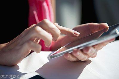 خیره شدن به صفحه موبایل و خشکی چشم