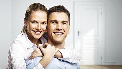در آغوش گرفتن همسر را همیشه انجام دهید