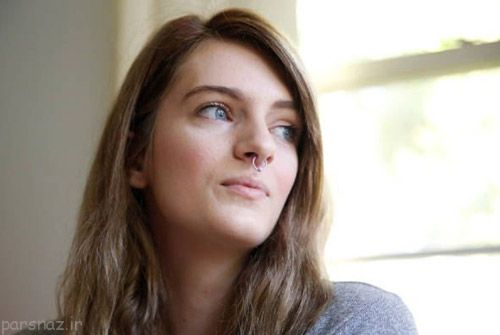 علاقه دختر 21 ساله به خوردن پستانک و پوشک