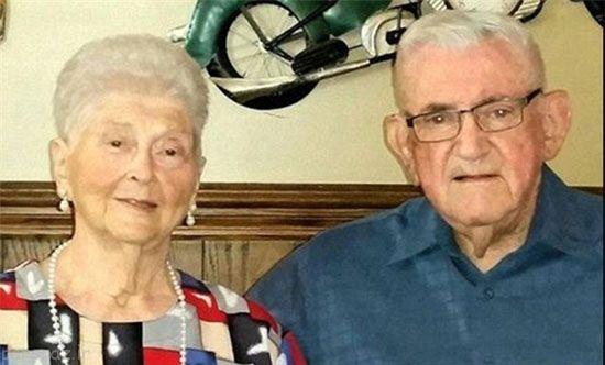 زوج عاشقی که در یک روز از دنیا رفتند