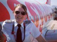 دختر جوانی که خلبان شرکت ایزی جت است