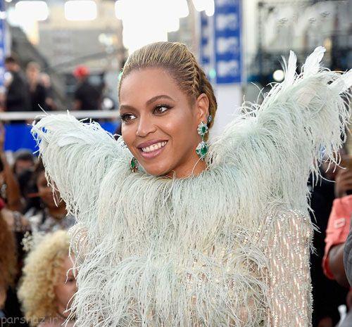 لباس غیرعادی بیانسه در مراسم MTV
