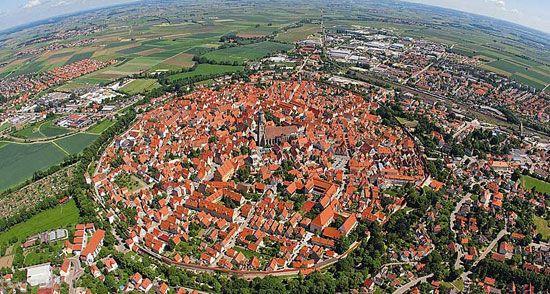 این شهر در گودال شهاب سنگ ساخته شده است