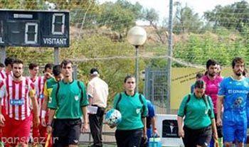 داور زن در مسابقه فوتبال و اهانت جنسیتی