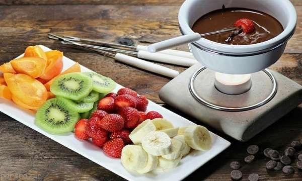 طرز تهیه دسر خوشمزه فوندوی شکلاتی
