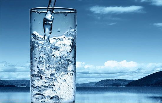 فواید نوشیدن آب در بدن انسان