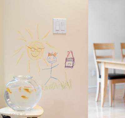 اینگونه لکه ماژیک را از روی دیوار پاک کنید