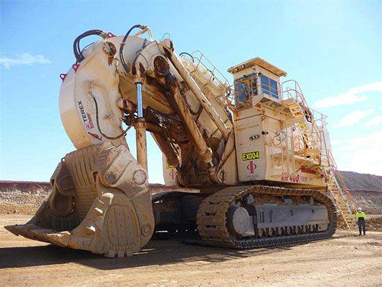 برترین ماشین آلات راهسازی و معدن را ببینید