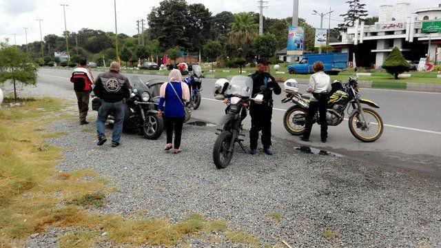 زنان و مردان سامورایی موتور سوار گردشگر ژاپنی در ایران