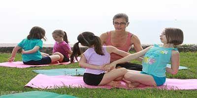 ورزش یوگا مفید برای سن بلوغ فرزندان