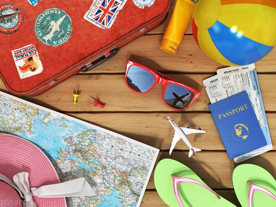 جمع آوری وسایل سفر در چمدان کوچک