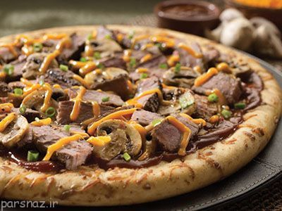 پیتزای گوشت و قارچ را در خانه درست کنید