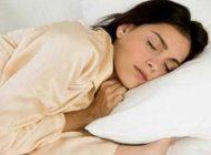 چرا برخی افراد در خواب حرف می زنند؟