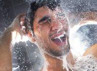 زیر دوش حمام این کارها را انجام ندهید