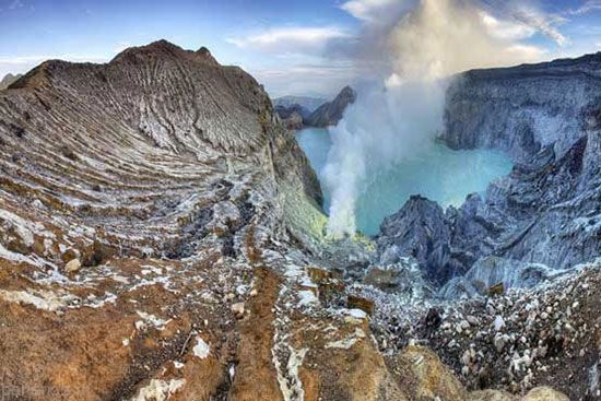 حیرت انگیزترین کوه های آتشفشان دنیا