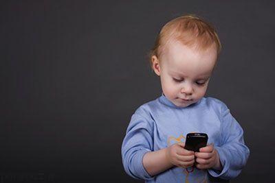 مدت زمان استفاده کودکان از گوشی و تبلت
