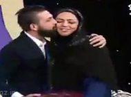 محسن افشانی این خانم را در برنامه زنده بوس کرد