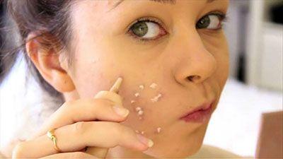 ترفند آرایشی پنهان کردن جای زخم