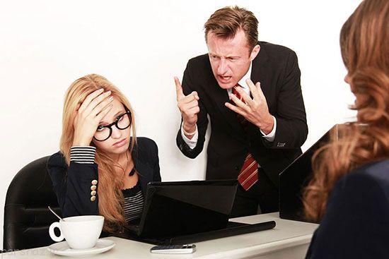 وقتی در محل کار جنگ روانی ایجاد می شود