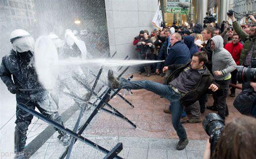 اعتصاب و اعتراض های دیدنی در سراسر دنیا