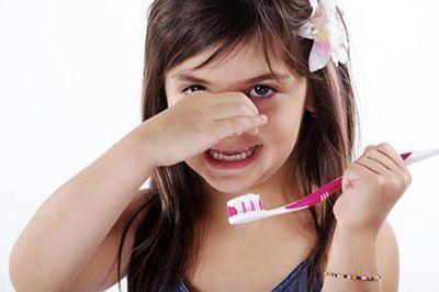 درباره بوی بد دهان فرزندان و درمان
