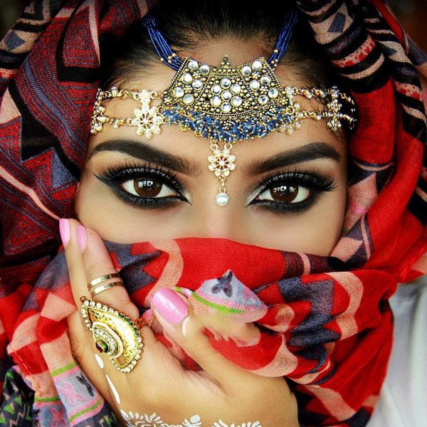 مدل آرایش چشم هندی عروس از Jeeshan Umar
