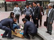 امرار معاش از راه دستفروشی در خیابان