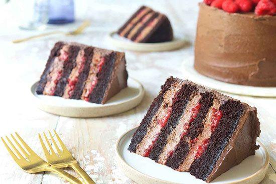 کیک اسفنجی ساده خوشمزه و عالی