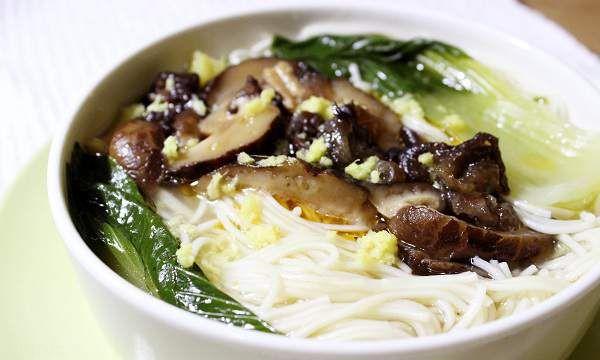 طرز تهیه سوپ زنجبیل و قارچ خوش طعم