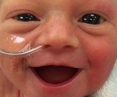 خنده نوزاد 5 روزه در جهان مشهور شد