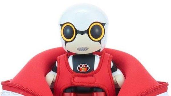 کودک ربات تویوتا درون ماشین با شما حرف می زند
