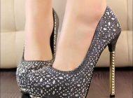 کفش پاشنه بلند مد جذاب اما پرخطر