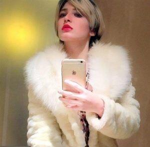 بازیگر زن زیبا و جوان سینما تن فروشی کرد